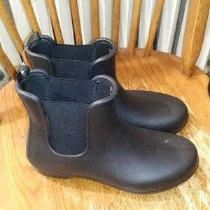 NWT women rain boots size 9